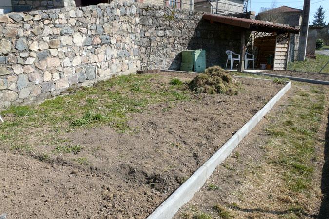 Potager biologique 2009 christiane et michel for Bordure terre cuite jardin