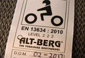 Étiquette d'homologation des bottes de moto